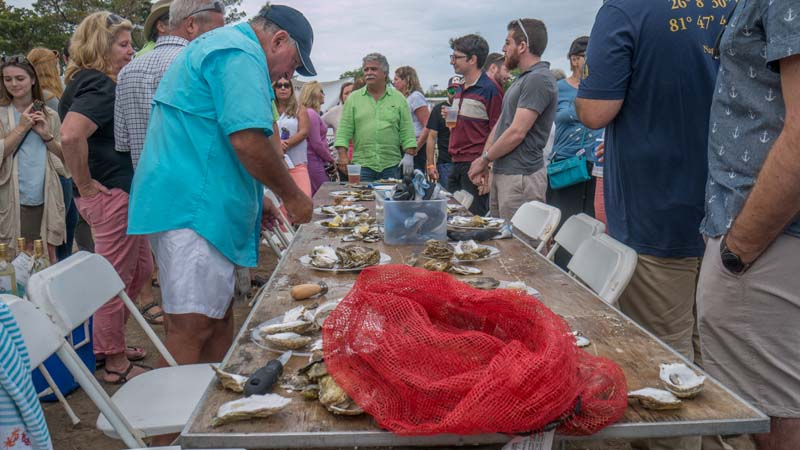 3rd-annual-oyster-shucking-competition-3